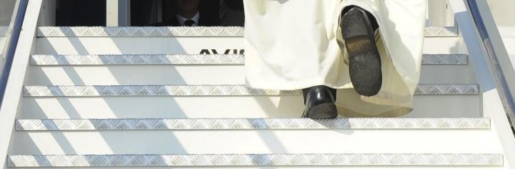 pope francis on steps